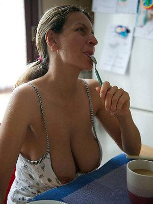 slutty nude grown-up amateur women