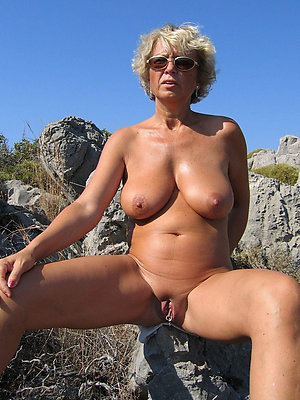 beautiful mature beach nudists pics