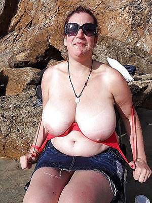spectacular mature beach women photo