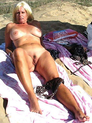 incomparable mature women on margin