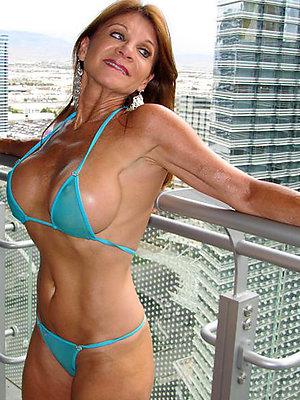 xxx domineer mature bikini pics