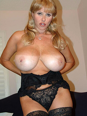 beauties blonde mature milf xxx