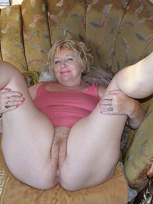 beautiful mature blonde mom