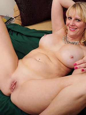 hotties sexy mature blondes