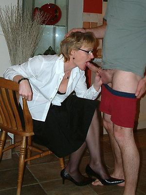 super-sexy mature jocular mater blowjob pics
