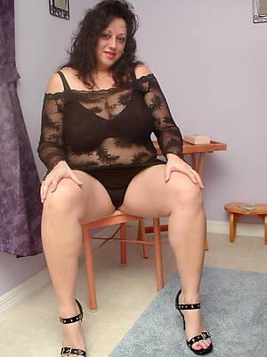 mature women lingerie pics