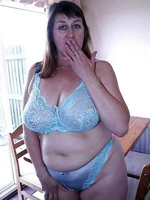 astonishing free mature lingerie pics