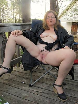 amateur mature sluts free porn pictures