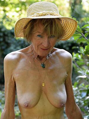 hot naked old ladies amateur porn pics