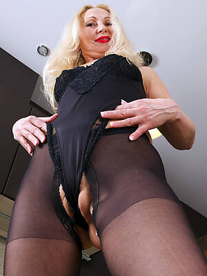 porn pics of cameltoe adult