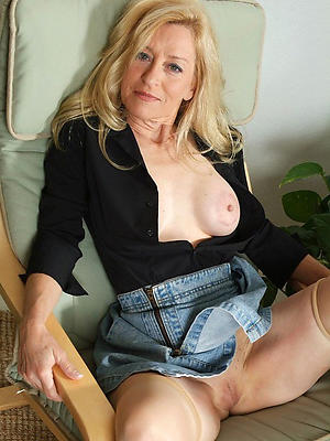 wonderful free mature solo porn