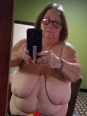 wet mature grandma pussy pictures