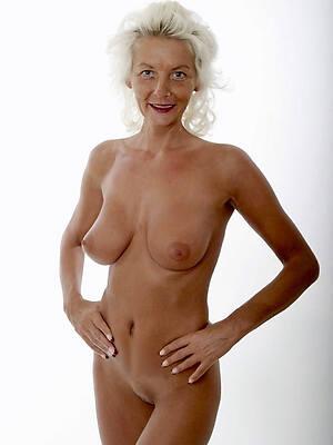 old ladies pussy posing stark naked