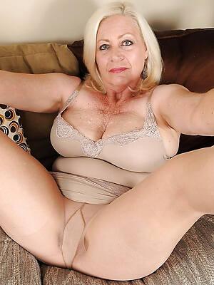 xxx pics of pantyhose mature