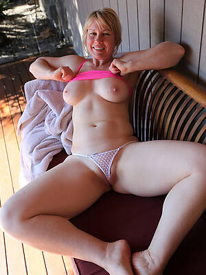 crazy sexy mature cameltoe pussy