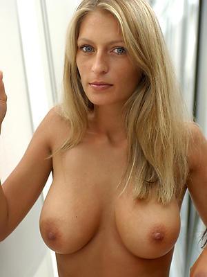 slutty beautiful mature women pics