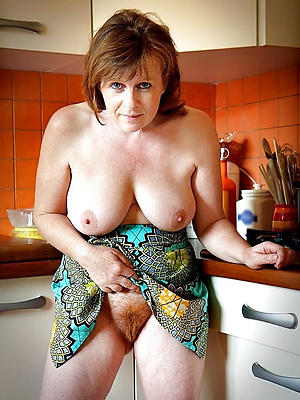 beauties mature housewives bared