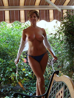 free pics of mature housewives sexual intercourse