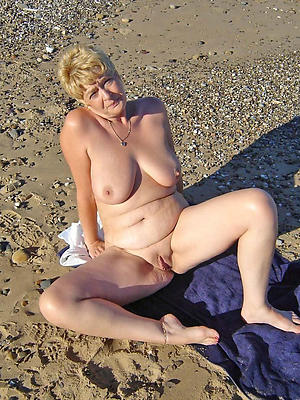 mature milf legs stripped