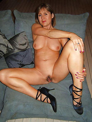 mature long legs be in love with porn
