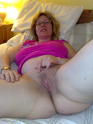 gorgeous mature amateur nude battalion