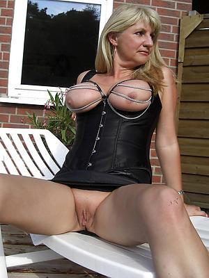 beautiful erotic mature pics