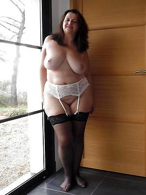 free pics of erotic mature ladies