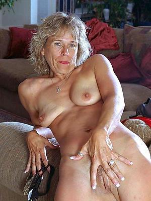 homemade real mature lay bare women