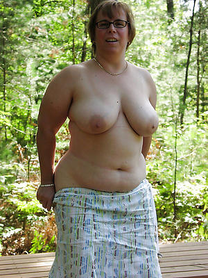 gorgeous mature lady boobs homemade pics