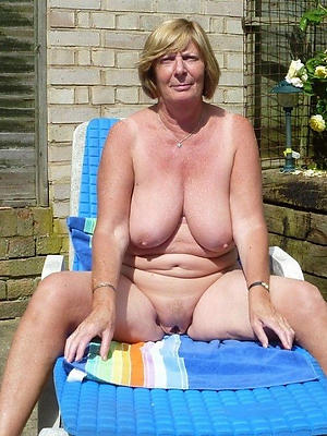 mature blonde mom
