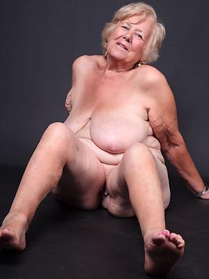 hotties grandma nude