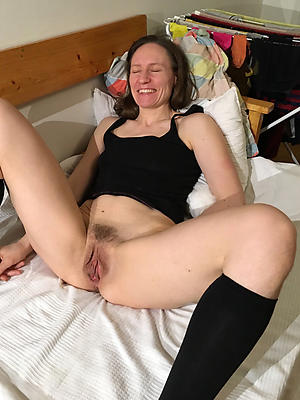 beautiful mature queasy pussy homemade