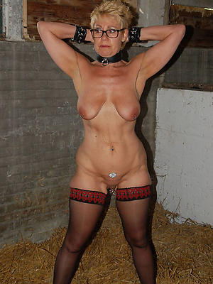 porn pics of mature women in stockings