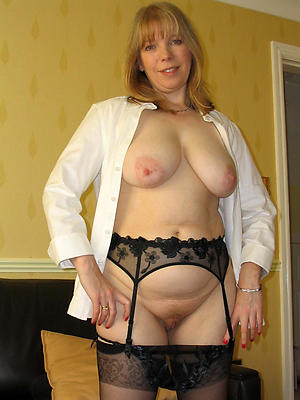 sexy mature women surrounding stockings porn images