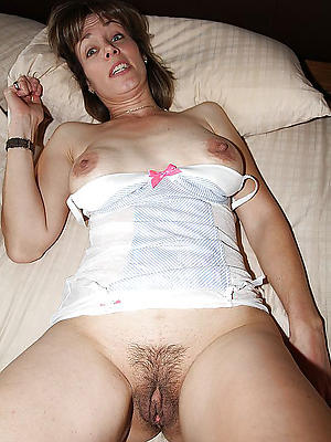 slutty mature vulvas nude pics