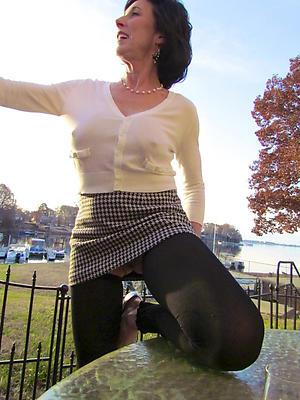 beauties mature women pantyhose