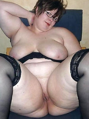 bonny mature women alongside glasses