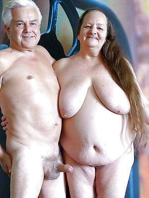 unconforming pics of mature couple nude