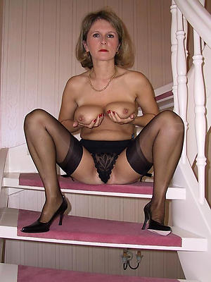 xxx matures in nylons