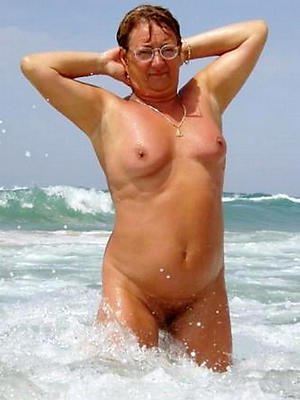 porn pics of mature nude beach women
