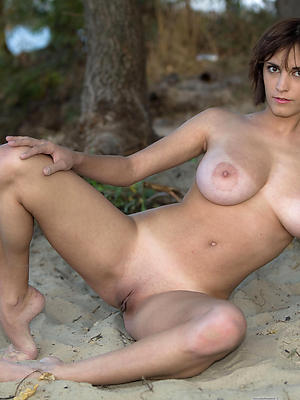 beauties mature naked beach