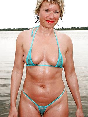 mature bikini babes honour porn