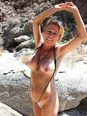 beauties full-grown bikini babes nude pics