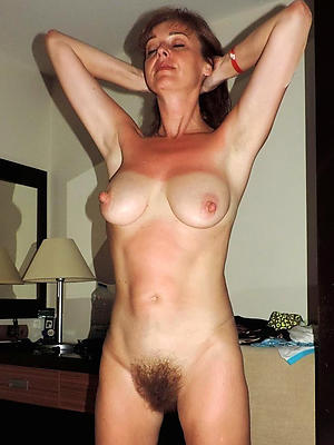 wonderful sexy matured housewives