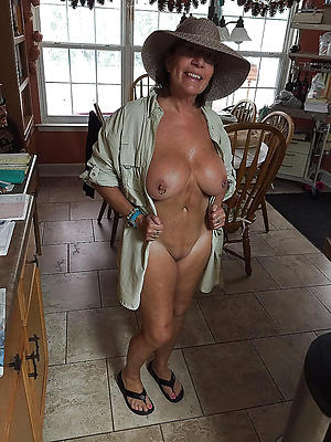nonconforming mature housewives porn pictures