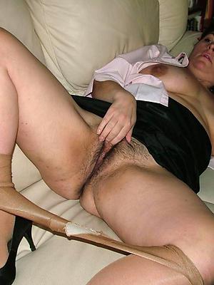 mature women relating to nylons posing minimal