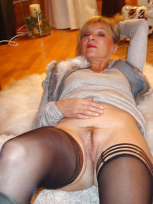 porn pics of grown-up women forth nylons