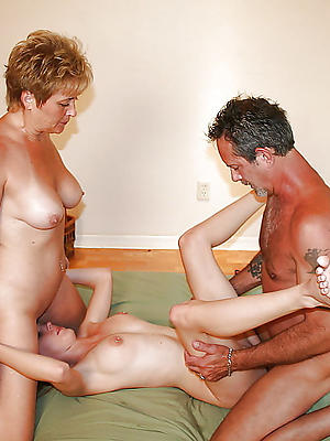 super-sexy homemade amateur threesome