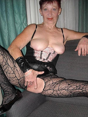 falter mature older nude women pics