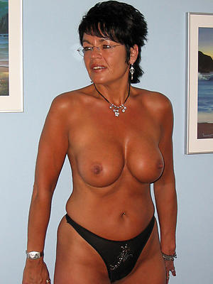 xxx chubby mature in the buff